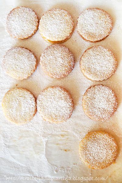 Ancora biscottini....Sandwiches all'albicocca e limone