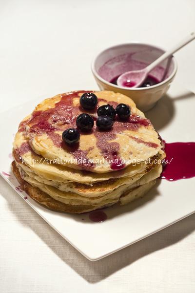 Pancake allo sciroppo d'acero e mirtilli