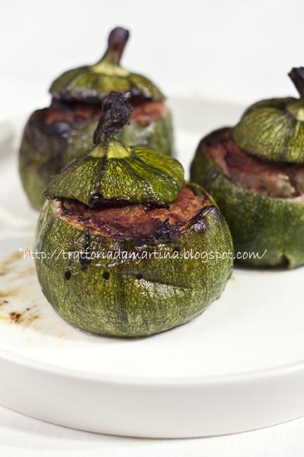 Zuccopalle ripiene (zucchine rotonde ripiene di carne)