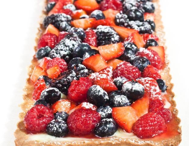 Tarte con crema al lime e frutti di bosco