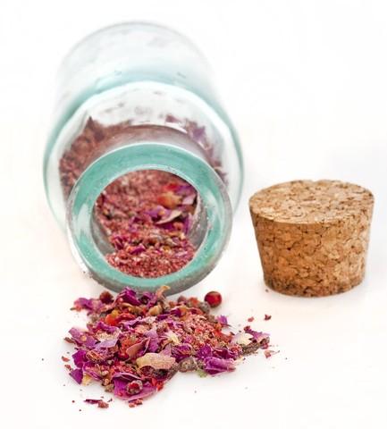 composto aromatico di spezie fiori e frutta