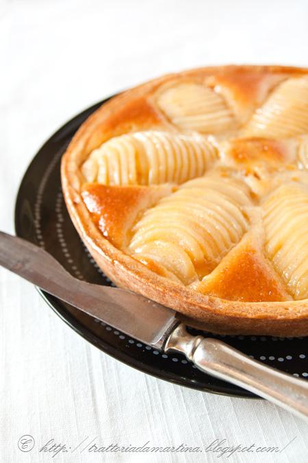 Crostata pere e crema di mandorle