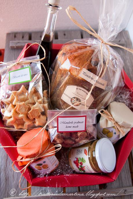 Il cesto natalizio di quest'anno e le mandorle pralinate