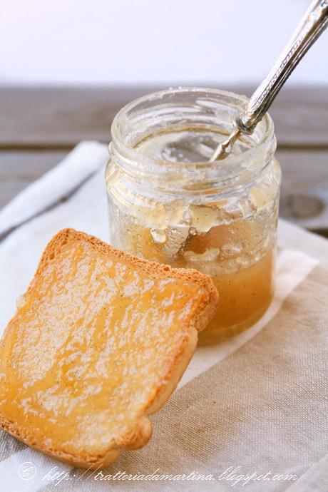 Confettura di pere Williams alla vaniglia e buon 2012