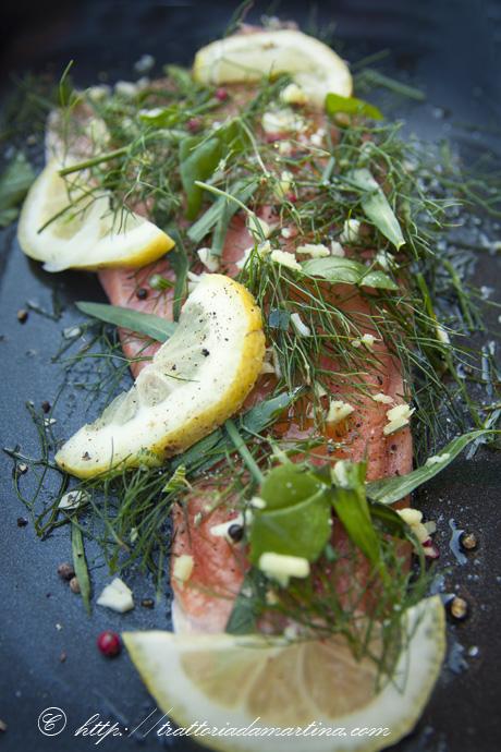 trota salmonata alle erbe aromatiche