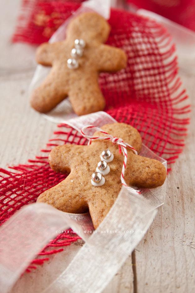 Gingerbread men o omini pan di zenzero all'arancia