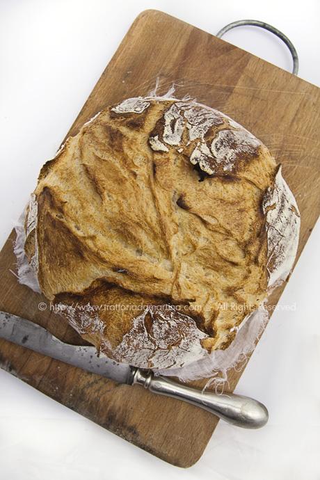 Pane senza impasto/ no-knead bread: dall'alto