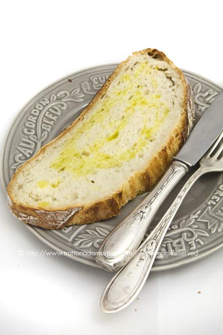 Pane senza impasto/ no-knead bread: la fetta