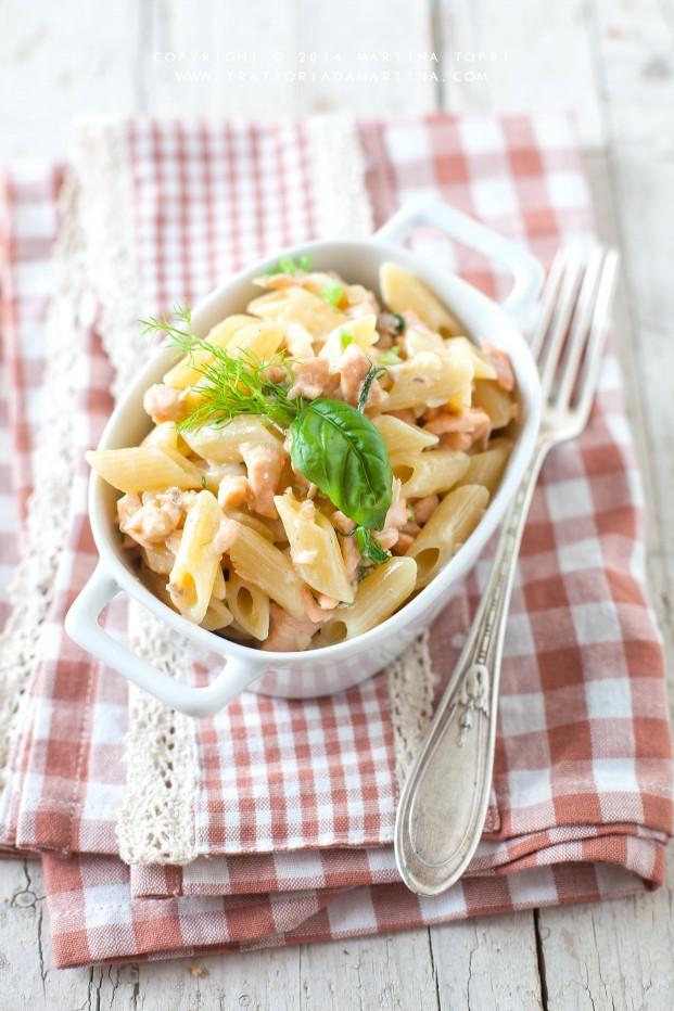 Pasta con salmone fresco, panna e aneto