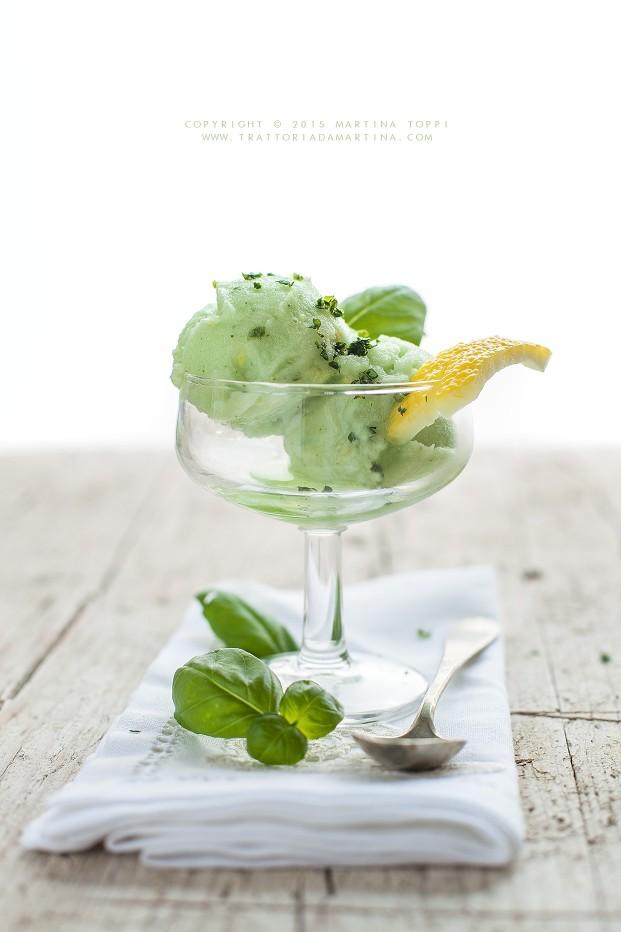 Sorbetto al limone e basilico: estivo, dissetante, salutare e ...buonissimo!