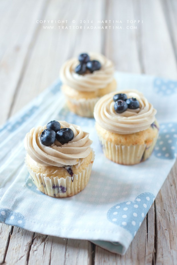 Blueberry cupcakes con buttercream frosting