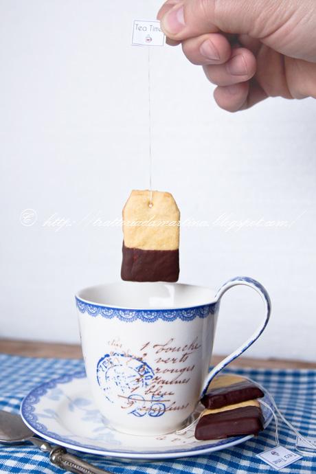 Biscotti a forma di bustine da the