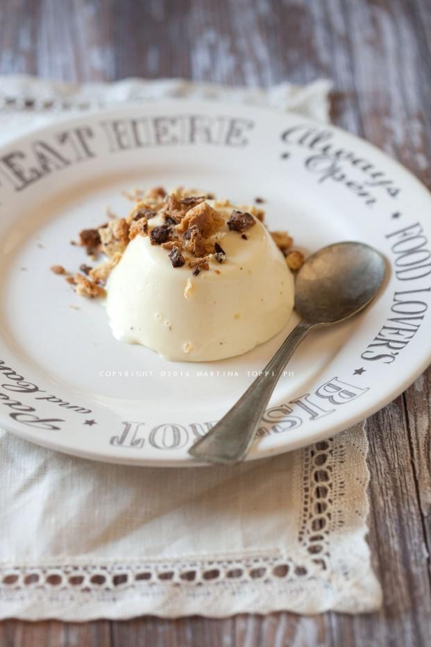 Bavarese alla crema con cantucci alle gocce di cioccolato