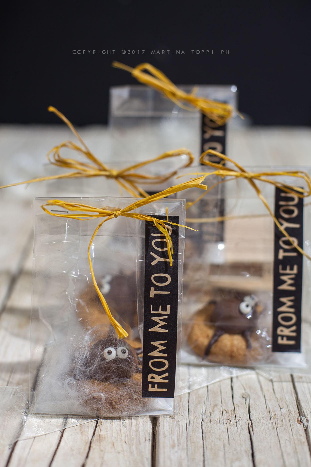 Pacchettini regalo con biscotti di halloween