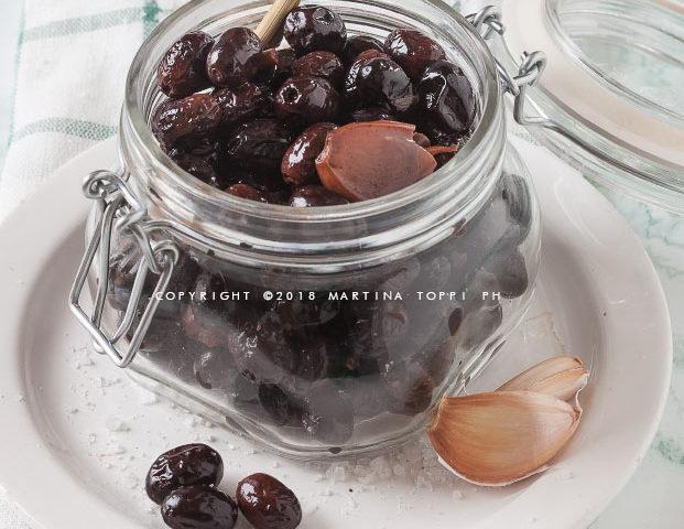olive nere sotto sale alla marchigiana