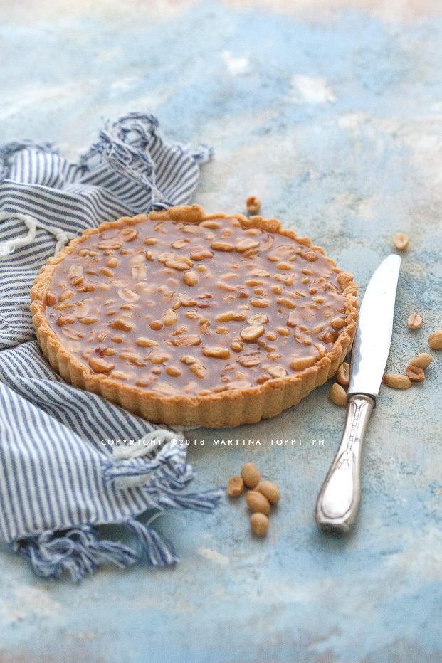 crostata con caramello e arachidi