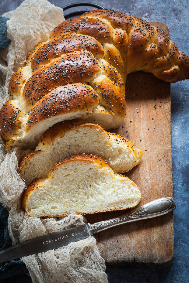 treccia di pan brioche a 5 capi